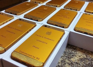 customised-24ct gold i-phone